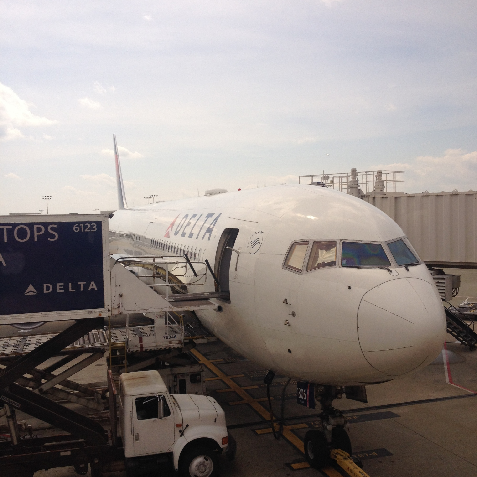 Boeing 767 at the gate in ATL