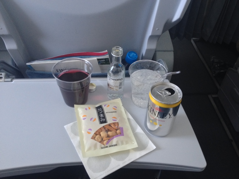 Cocktail service including Finnair's trademark blueberry juice and the author's trademark vodka and tonic