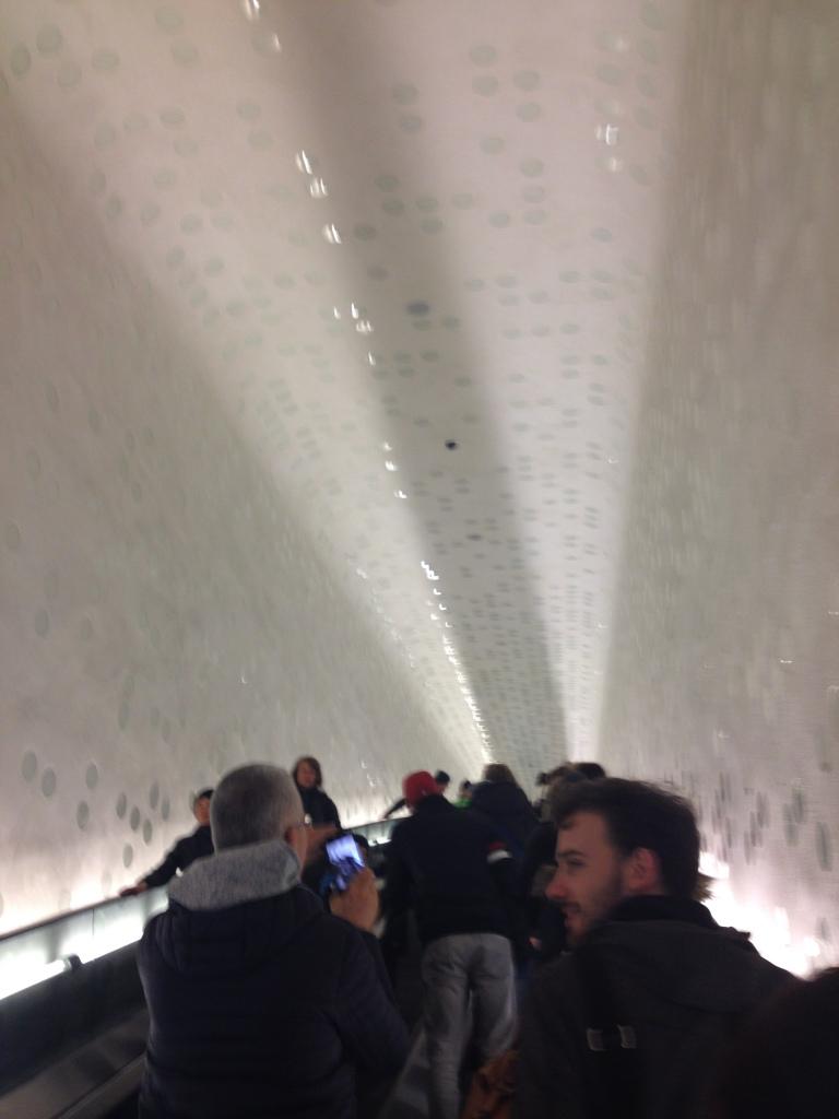 Per Rolltreppe nach oben