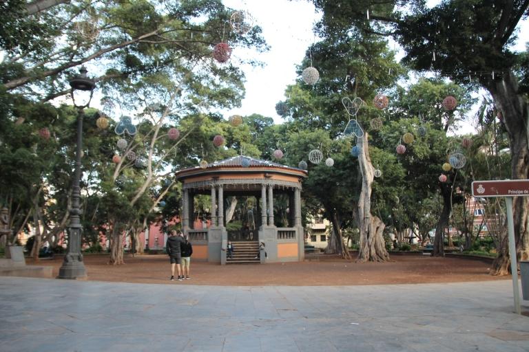 Hier spielt wahrscheinlich die Stadtkapelle Santa Cruz jeden Donnerstag