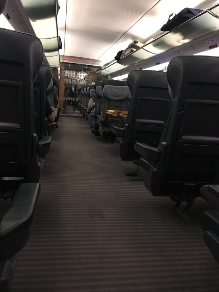 1. Klasse Großraumbereich im ICE International