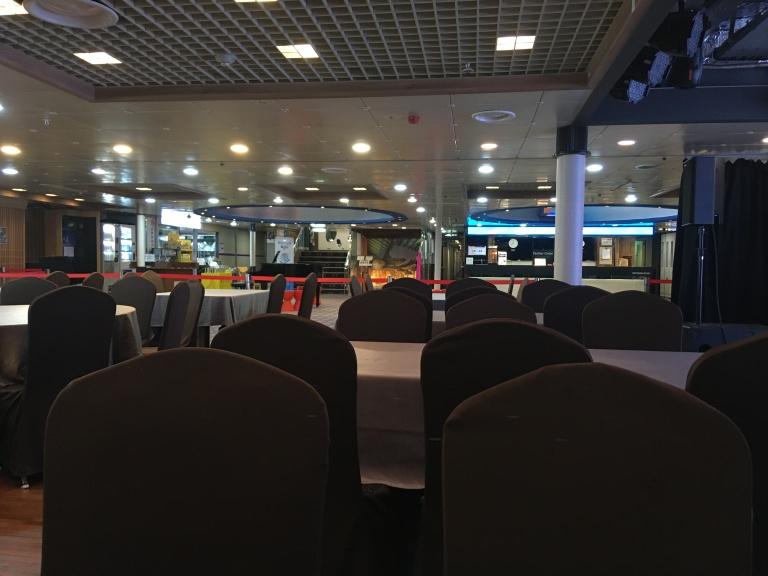 Restauranttische und -stühle