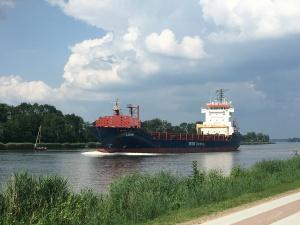 """General cargo vessel """"Louis"""" in the Kiel Canal"""